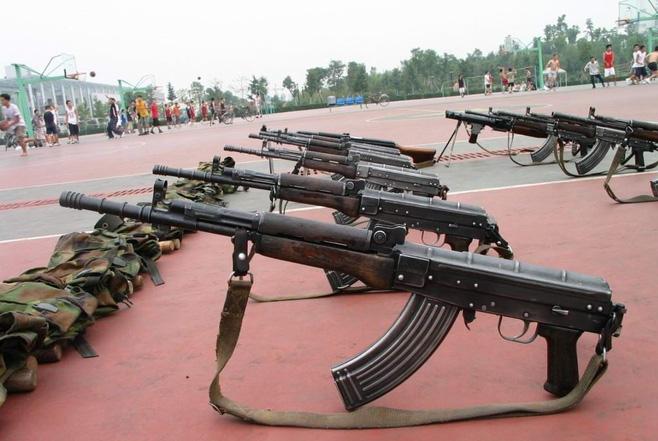 Súng trường tấn công mới của Trung Quốc: Biến thể súng AK từng là hòn đá lót đường? - Ảnh 7.