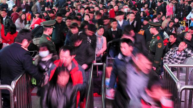 Ba tỷ chuyến đi trong dịp Tết Nguyên Đán: Trung Quốc trước nguy cơ lan truyền virus gây bệnh phổi bí ẩn - ảnh 3