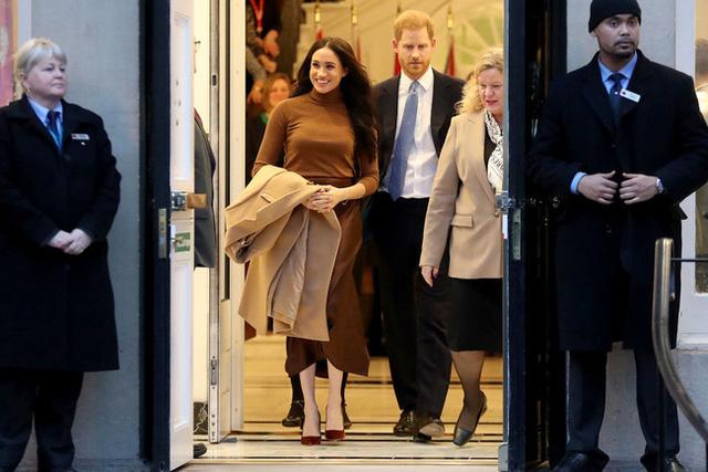 Canada không cấp đặc quyền cho vợ chồng Meghan Markle, cặp đôi hoàng gia rơi vào tình trạng tiến thoái lưỡng nan - Ảnh 1.