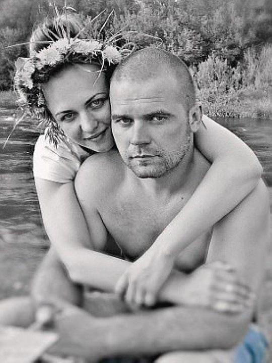 Chồng đánh đập vợ dã man nhiều giờ liền khiến nạn nhân hôn mê sâu rồi qua đời trong khi hắn chụp ảnh khoe mẽ với bạn bè - Ảnh 3.