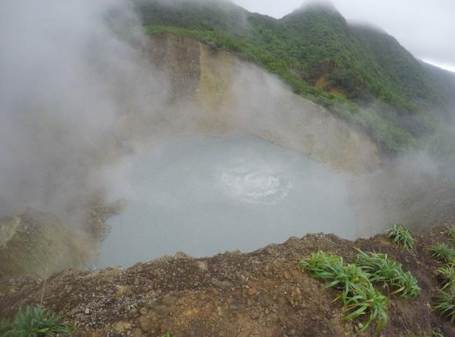 1001 thắc mắc: Hồ Nyos có bí ẩn gì mà một giờ giết chết 1700 người? - Ảnh 3.
