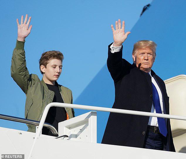 Quý tử nhà Trump lại gây xôn xao dư luận với vẻ đẹp hoàn hảo, tỏa ra ánh hào quang rực rỡ trong lần xuất hiện mới nhất - Ảnh 4.