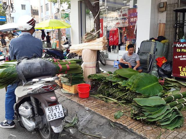 Chợ lá dong nửa thế kỷ ở Sài Gòn ế ẩm do heo tăng giá - Ảnh 11.