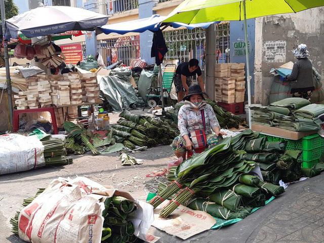 Chợ lá dong nửa thế kỷ ở Sài Gòn ế ẩm do heo tăng giá - Ảnh 12.