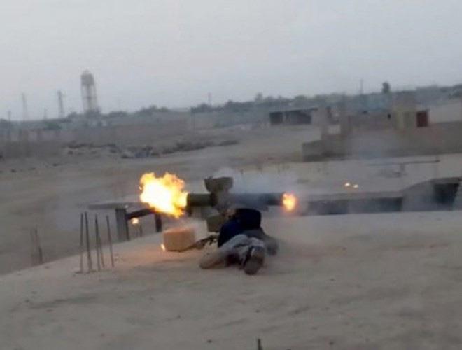 Phiến quân đánh chặn, quân đội Syria bỏ cả sát thủ diệt tăng Nga để chạy thoát - Ảnh 16.
