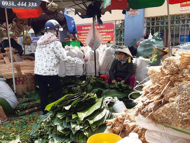 Chợ lá dong nửa thế kỷ ở Sài Gòn ế ẩm do heo tăng giá - Ảnh 16.