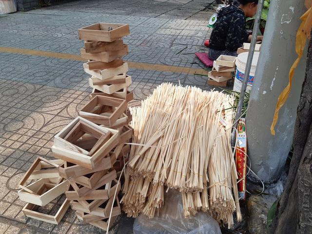 Chợ lá dong nửa thế kỷ ở Sài Gòn ế ẩm do heo tăng giá - Ảnh 17.