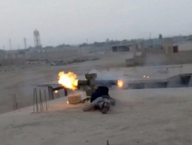 Phiến quân đánh chặn, quân đội Syria bỏ cả sát thủ diệt tăng Nga để chạy thoát - Ảnh 7.