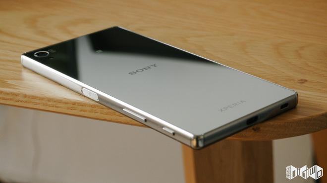 Nhìn lại 10 chiếc smartphone Xperia nổi bật nhất của Sony trong thập kỷ qua - Ảnh 7.
