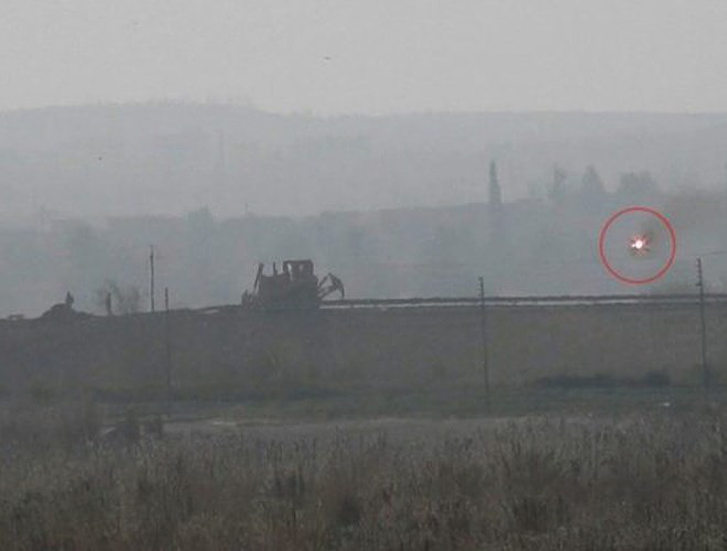 Phiến quân đánh chặn, quân đội Syria bỏ cả sát thủ diệt tăng Nga để chạy thoát - Ảnh 8.