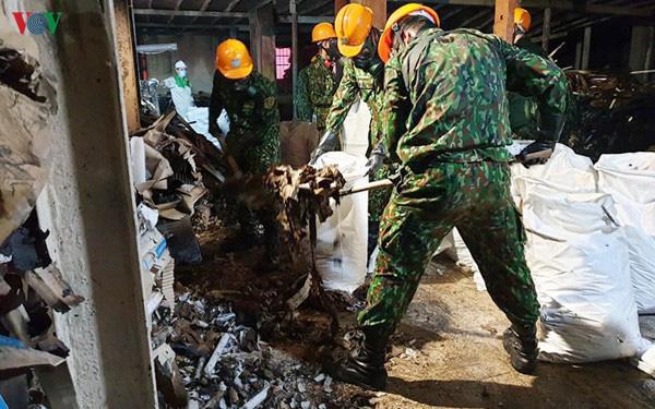 Sau 4 tháng, dân vẫn lo âu dù môi trường tại công ty Rạng Đông an toàn - Ảnh 2.