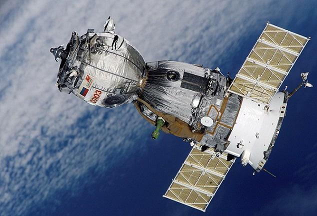 Phi hành gia 'nhọ' nhất trong lịch sử: Bị bỏ quên trên vũ trụ gần 1 năm, lúc trở về quốc gia của mình cũng không còn - Ảnh 2.