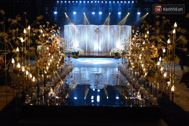 Top 5 đám cưới khủng nhất Vbiz năm 2019: Đông Nhi - Ông Cao Thắng lầy và đắt đỏ nhất, Cường Đô La bê cả dàn siêu xe loá mắt - Ảnh 15.