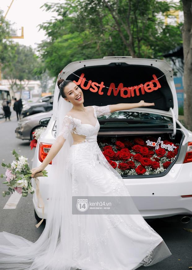 Top 5 đám cưới khủng nhất Vbiz năm 2019: Đông Nhi - Ông Cao Thắng lầy và đắt đỏ nhất, Cường Đô La bê cả dàn siêu xe loá mắt - Ảnh 20.