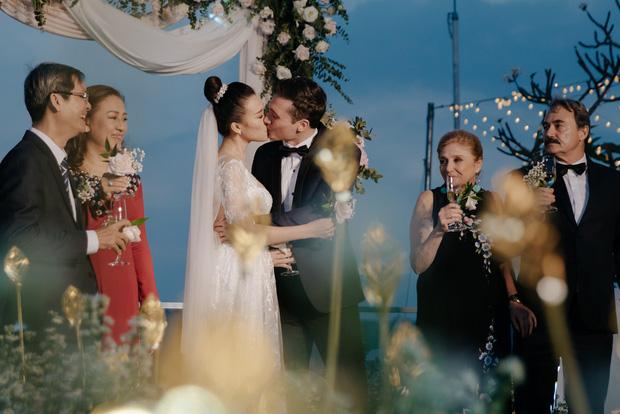 Top 5 đám cưới khủng nhất Vbiz năm 2019: Đông Nhi - Ông Cao Thắng lầy và đắt đỏ nhất, Cường Đô La bê cả dàn siêu xe loá mắt - Ảnh 22.