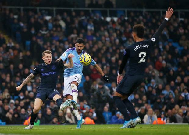 Bất chấp nỗi ám ánh VAR, Man City vẫn hạ gục Everton để tiếp tục nuôi hy vọng bám đuổi Liverpool - Ảnh 3.