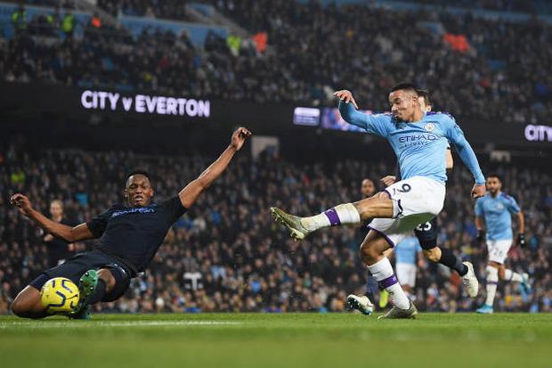 Bất chấp nỗi ám ánh VAR, Man City vẫn hạ gục Everton để tiếp tục nuôi hy vọng bám đuổi Liverpool - Ảnh 5.