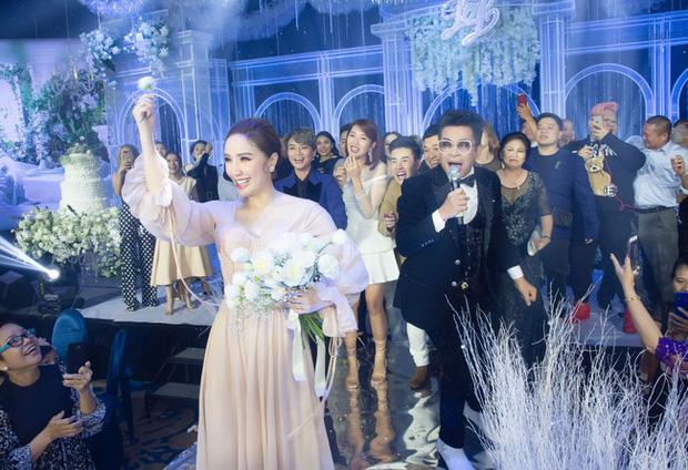 Top 5 đám cưới khủng nhất Vbiz năm 2019: Đông Nhi - Ông Cao Thắng lầy và đắt đỏ nhất, Cường Đô La bê cả dàn siêu xe loá mắt - Ảnh 6.