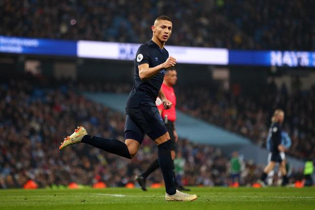 Bất chấp nỗi ám ánh VAR, Man City vẫn hạ gục Everton để tiếp tục nuôi hy vọng bám đuổi Liverpool - Ảnh 6.