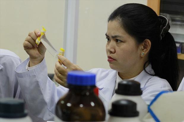 """PGS.TS 8X của Việt Nam lọt top 100 nhà khoa học hàng đầu châu Á: """"Đừng nghĩ làm nghiên cứu là gạt tiền ra khỏi đầu, không có kinh tế sẽ khó theo đuổi nghề!"""" - Ảnh 10."""