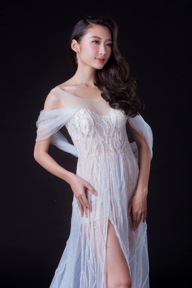 Hoa hậu Sinh viên thế giới: Cô gái Sài Gòn từng bị chê bai vì vết sẹo và màn toả sáng trong đêm chung kết - Ảnh 4.