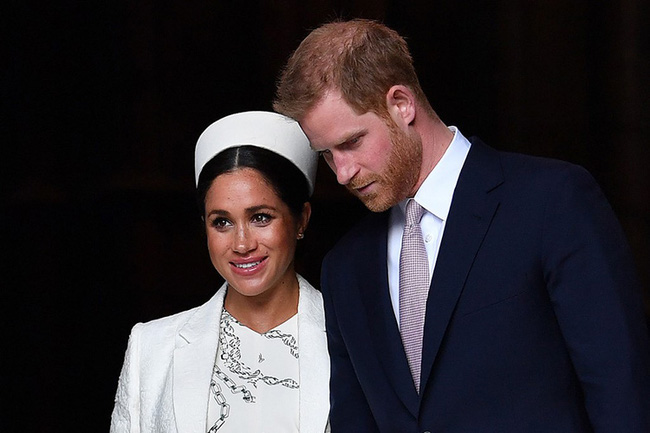Người tính không bằng trời tính: Rời hoàng gia với đầy mưu toan, vợ chồng Harry - Meghan nhận lại thực tế phũ phàng với nhiều cái mất - Ảnh 1.