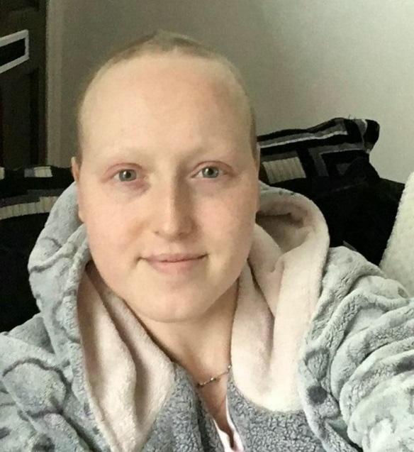 Câu chuyện của cô gái bị chẩn đoán ung thư vú sai và bị cắt cả 2 ngực - Ảnh 5.