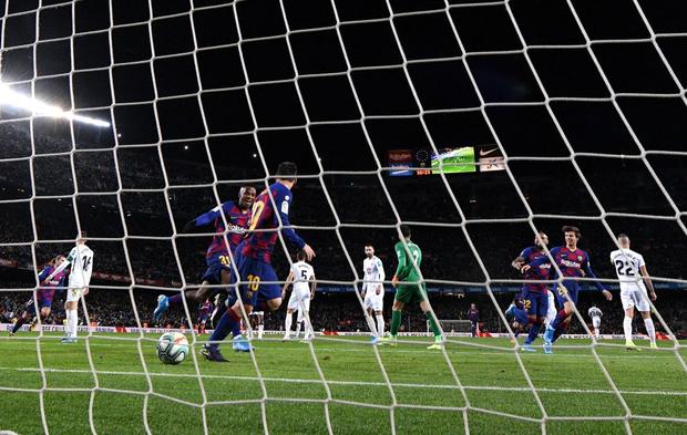 Mừng thầy mới ra mắt, Messi tặng ngay bàn thắng bằng vàng giúp Barcelona đòi lại ngôi đầu từ tay đại kình địch - Ảnh 7.