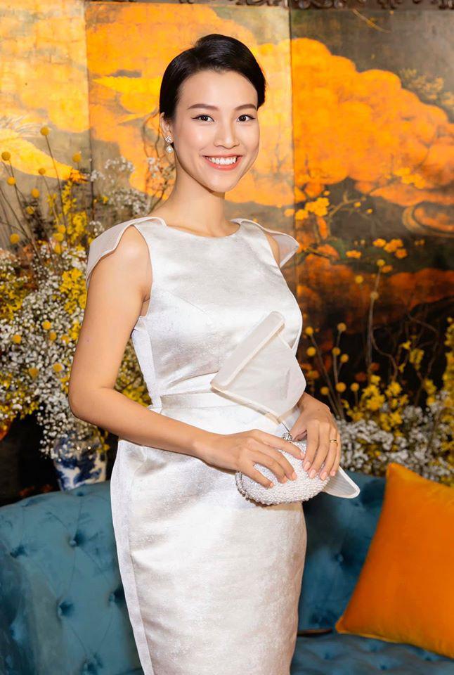Ngày giáp Tết của những mỹ nhân Việt năm đầu làm dâu: Đàm Thu Trang khoe trang hoàng nhà cửa lộng lẫy, Bảo Thy lại rưng rưng khi về thăm bố mẹ đẻ - Ảnh 7.
