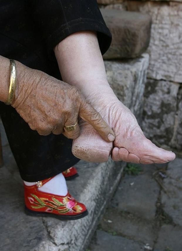 Những tập tục, thói quen lạ lùng ở Trung Quốc khiến người ngoại quốc hoang mang khi lần đầu ghé thăm - Ảnh 2.