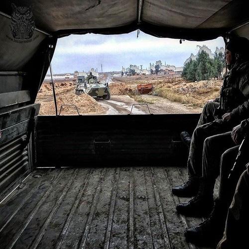 Nga dùng xe tăng để mở đường nếu Mỹ tiếp tục chặn đoàn tuần tra? - Ảnh 13.