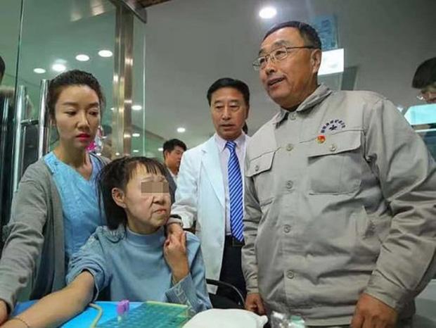 Cô gái 15 tuổi nhưng sở hữu gương mặt như cụ bà nay đã có diện mạo mới khiến ai cũng trầm trồ - Ảnh 3.