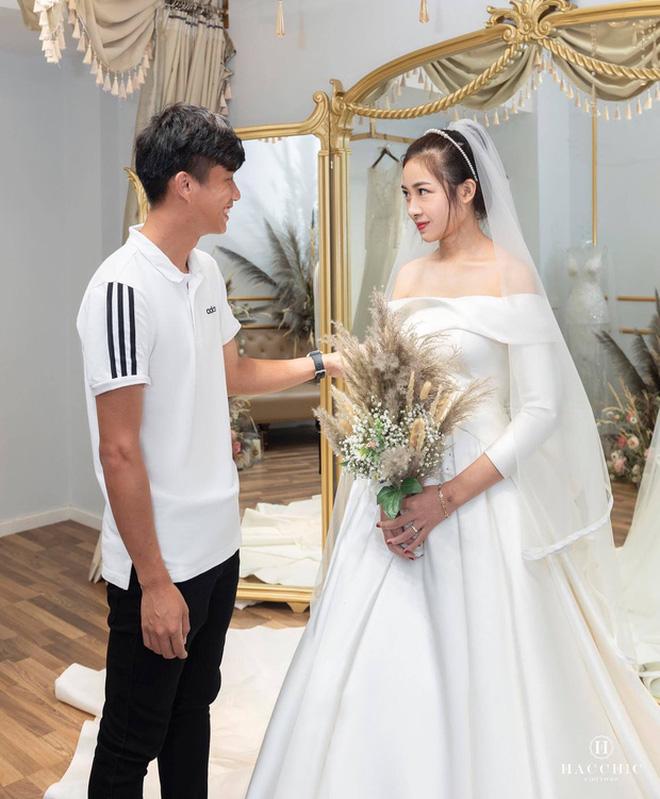 Bạn gái tin đồn của Quang Hải khoe nhận được thiệp cưới Văn Đức - Nhật Linh: Dàn khách mời khủng hé lộ từ đây? - Ảnh 3.
