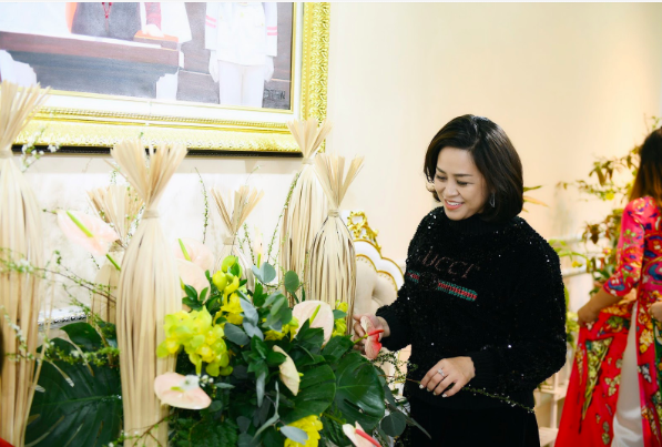 NTK Đỗ Trịnh Hoài Nam cùng học trò trang hoàng nhà cửa đón năm mới - Ảnh 4.