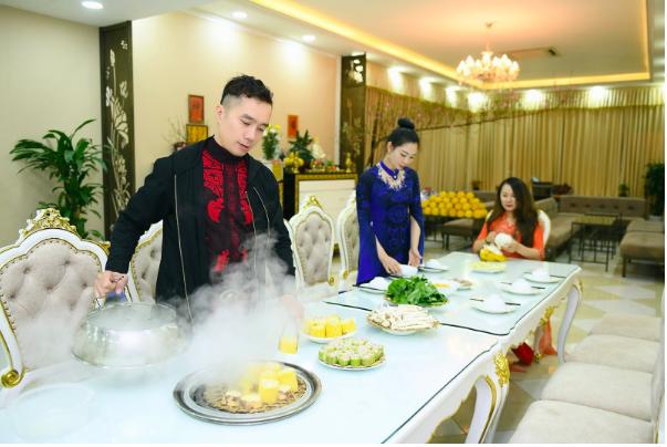 NTK Đỗ Trịnh Hoài Nam cùng học trò trang hoàng nhà cửa đón năm mới - Ảnh 6.