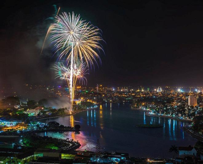 Các điểm bắn pháo hoa tại Hà Nội, TPHCM và nhiều tỉnh thành Tết Canh Tý 2020 - Ảnh 4.