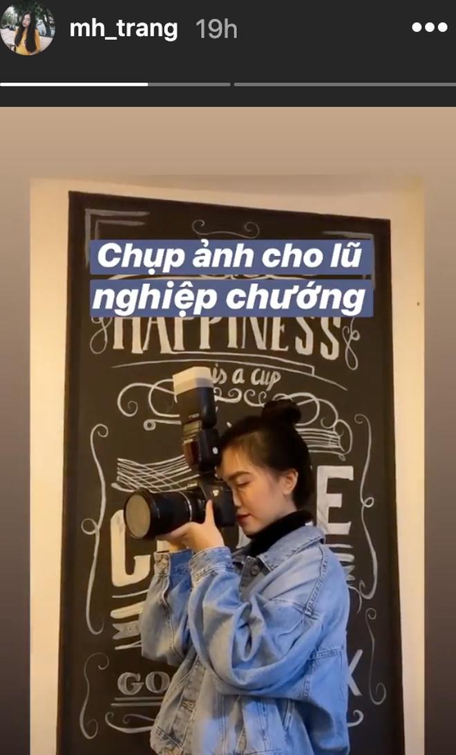 Năm ngoái Hà Đức Chinh đưa bạn gái hiền thục về ăn Tết, năm nay một mình anh phải đi chợ sắm Tết từ sáng mệt phờ đến trưa - Ảnh 2.