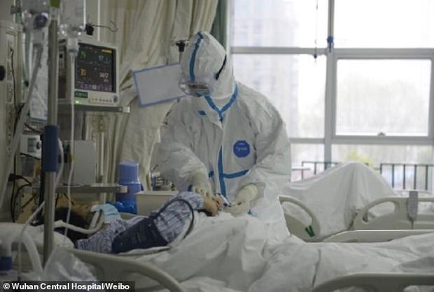 Bệnh nhân đầu tiên mắc virus corona ở Vũ Hán hồi phục, chia sẻ cảm nhận về những ngày nằm trong phòng điều trị tích cực - Ảnh 3.