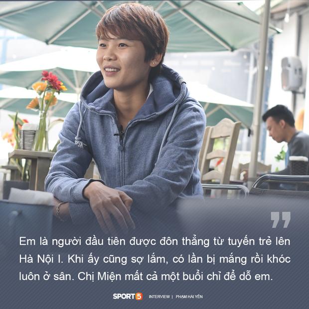 Chuyện lạ đời về người hùng của tuyển nữ Việt Nam: Cô nữ sinh lớp 12 sáng đến trường, chiều lên đồ ra sân tập bóng đá - Ảnh 4.