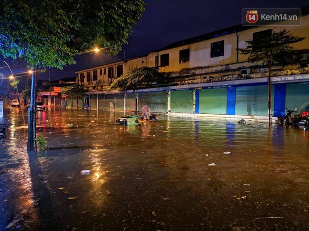 Ác mộng nước ngập đêm 30 Tết: Nước đục ngầu tràn vào nhà, đêm giao thừa bì bõm chờ đón pháo hoa - ảnh 10