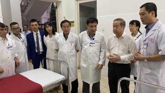 Thừa Thiên Huế tổ chức họp báo để thông tin đầy đủ về trường hợp nữ sinh tử vong gây hoang mang - Ảnh 1.