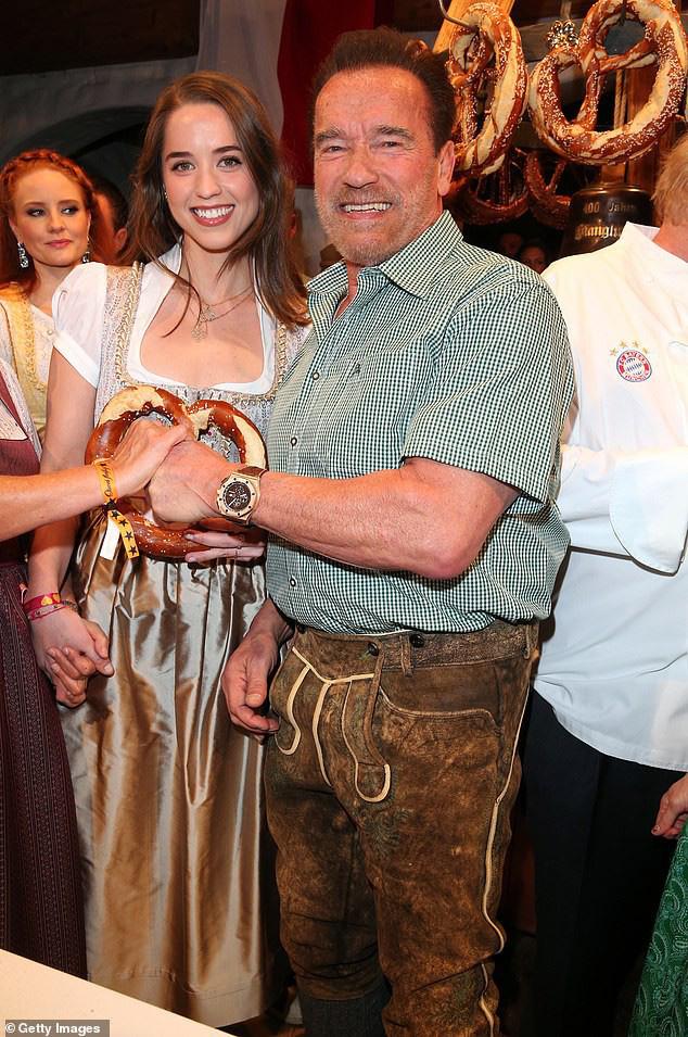 Kẻ huỷ diệt Arnold Schwarzenegger vui vẻ bên bạn gái kém 27 tuổi - Ảnh 5.