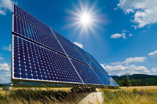 The Economist:  Tia sáng bất ngờ của năng lượng mặt trời ở Việt Nam sẽ thay đổi quan điểm của các nhà lãnh đạo - Ảnh 1.