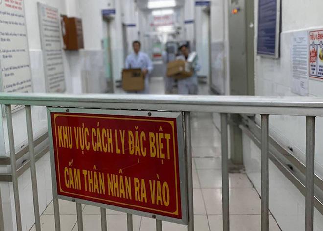 Gia Lai: Cách ly ngay tại cửa khẩu người đến từ Trung Quốc nghi nhiễm Corona - Ảnh 1.