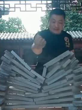 Sư phụ của Lý Liên Kiệt bất ngờ nhận lời đấu cao thủ Thiết Sa Chưởng khiến võ lâm xôn xao - Ảnh 4.