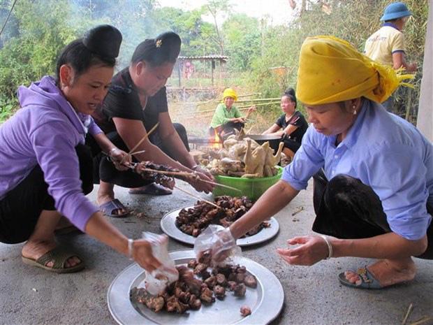 Độc đáo phong tục ăn Tết của người Thái vùng Mường Lò - Ảnh 2.