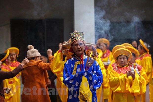 Trai làng giả gái gieo hạt tại lễ hội trâu bò rơm rạ tỉnh Vĩnh Phúc - Ảnh 8.