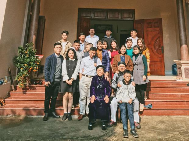Tiếp nối trend khoe ảnh đại gia đình năm ngoái, dân mạng phát hiện ra 'kỷ lục' nhà có 407 thành viên đây này! - ảnh 3