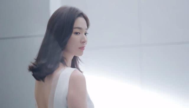 Hậu ly hôn Song Joong Ki, Song Hye Kyo hồi xuân, đẹp xuất sắc tới từng milimet   - Ảnh 5.