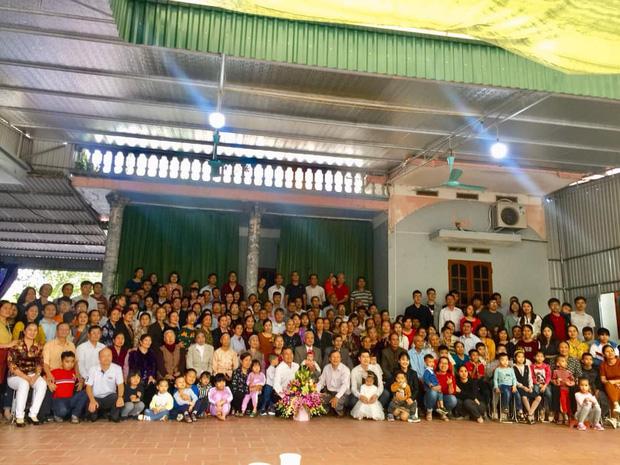 Tiếp nối trend khoe ảnh đại gia đình năm ngoái, dân mạng phát hiện ra 'kỷ lục' nhà có 407 thành viên đây này! - ảnh 6